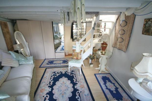 Bedroom / Sitt...