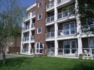 Apartment in Harewood Close...