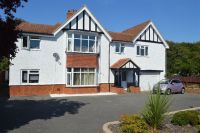 6 bedroom Detached property in Cooden Drive...