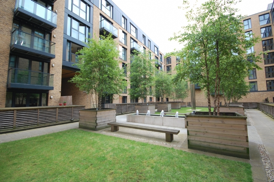 2 Bedroom Flat To Rent In Southside Apartments Birmingham B5