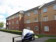 2 bedroom Ground Flat to rent in Plomer Avenue, Hoddesdon...
