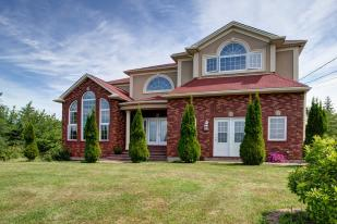 5 bed Detached property in Hammonds Plains...