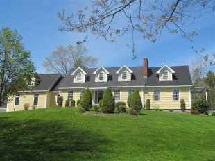 6 bed Detached property in Nova Scotia, Mahone Bay