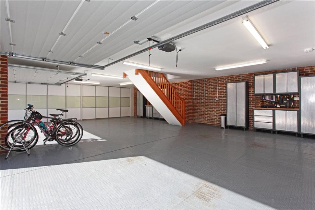 Garaging