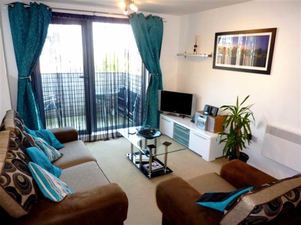 2 bedroom apartment to rent in skyline birmingham west for Bedroom apartments birmingham