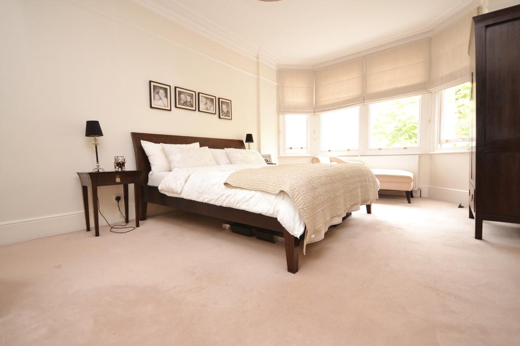 6 bedroom semi detached house for sale in hadley grove for The master bedroom tessa hadley