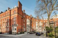 Flat in Egerton Place, London...