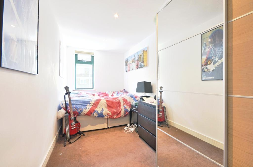 2 bedroom flat to rent in phoenix court buckhurst street for Furniture xpress bethnal green
