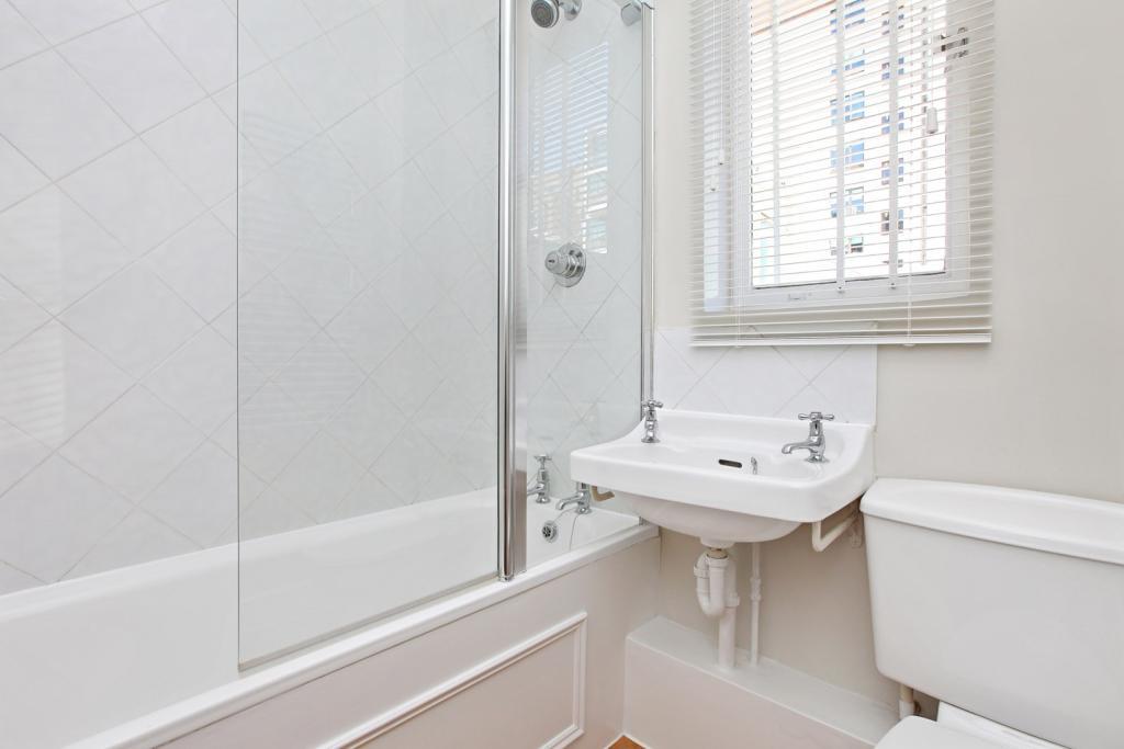 Bathroom 13 Cadogan
