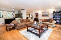 3 bed Flat in Westbourne Terrace...