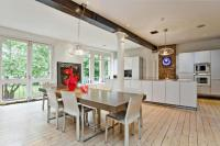 Flat for sale in Olivers Wharf...