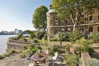 2 bed Flat for sale in Pier Head...