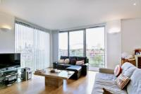 2 bed Flat in Monza Building...