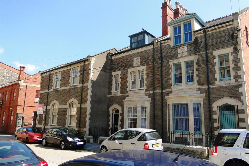 Commercial Property Trade : Commercial property for sale in trade street cardiff cf