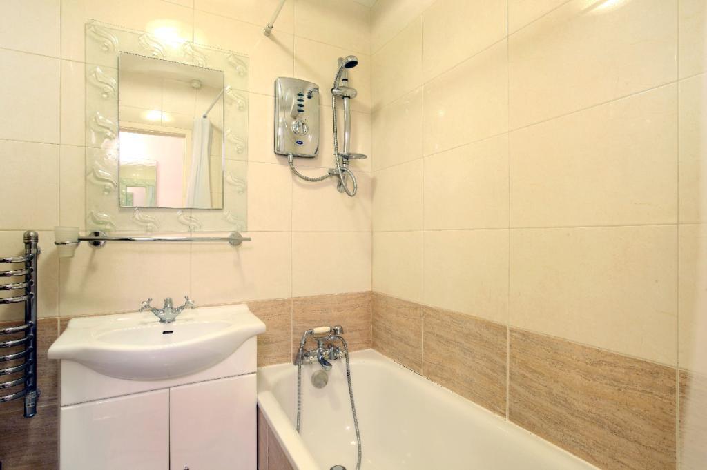 Bathroom No.04