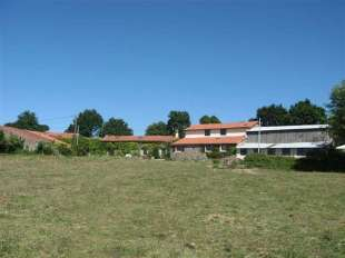 10 bedroom Detached house for sale in Poitou-Charentes...