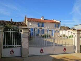 6 bedroom Detached property in Pays de la Loire, Vend�e...
