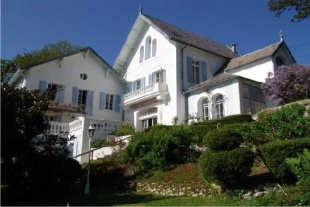 7 bedroom Detached home in Languedoc-Roussillon...