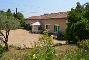 3 bedroom Detached home for sale in Brossac, Charente...