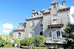 8 bed Detached property in Brittany, Côtes-d'Armor...