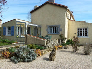 Detached house in Fontenay-le-Comte...