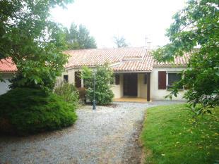 3 bedroom Detached home in La Jaudonniere, Vendée...