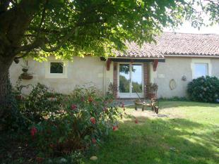 4 bedroom Detached house in Mouilleron-en-Pareds...