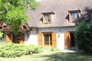 6 bedroom Detached property for sale in Oncy-sur-École, Essonne...