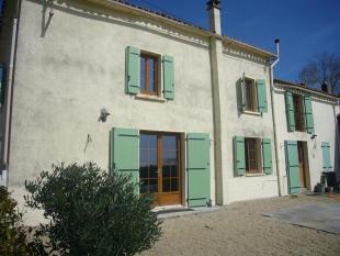 3 bedroom property in La Chapelle-aux-Lys...