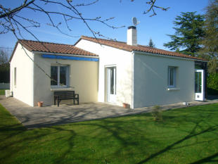 2 bedroom Detached property for sale in Menomblet, Vendée...