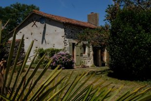 2 bed Detached property in Poitou-Charentes...