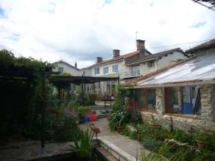 7 bedroom Detached home for sale in Poitou-Charentes...