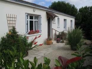 Bungalow for sale in Pays de la Loire, Vend�e...