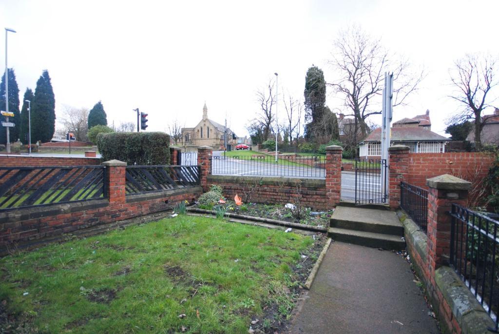 Front Garden & V