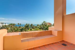 3 bed Penthouse for sale in Estepona, Málaga...