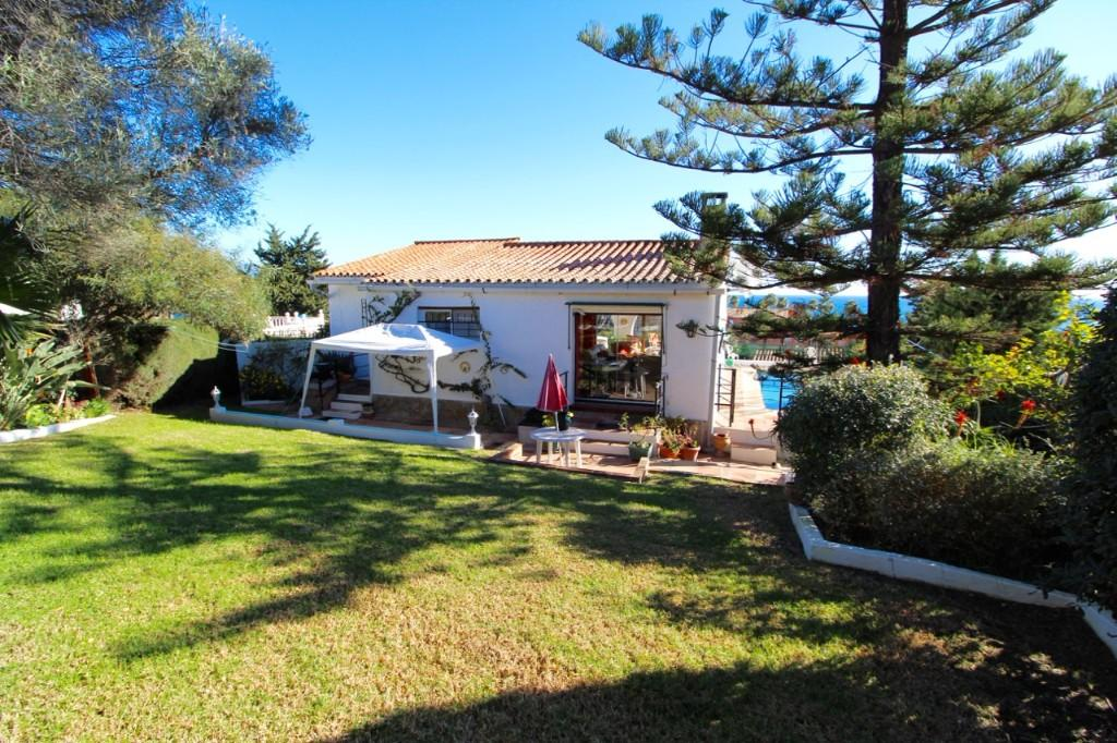 2 bed Villa in Estepona, Málaga...
