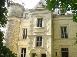 8 bed house in FONTENAY LE COMTE...