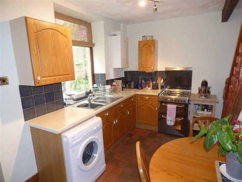 2 bedroom end of terrace house for sale in yorkshire for Terrace kitchen diner