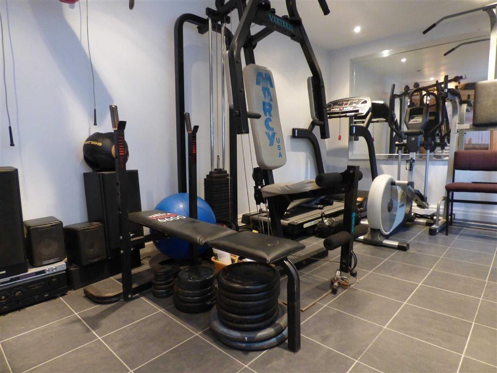Outbuilding/Gym