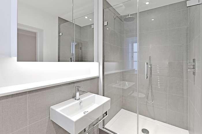En- suite Shower roo