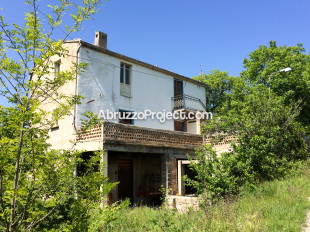 Detached property for sale in Abruzzo, Chieti...