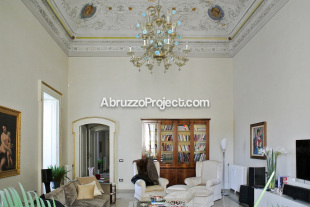4 bed Character Property for sale in Abruzzo, L`Aquila...