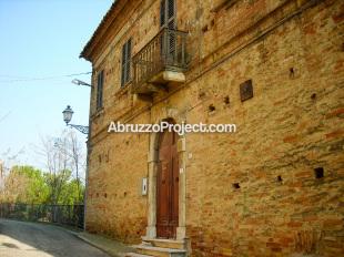 5 bedroom Villa for sale in Abruzzo, Teramo...