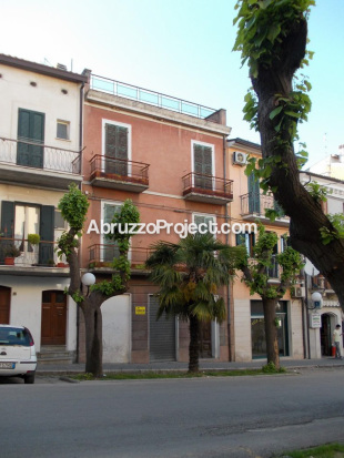 5 bed Town House for sale in Abruzzo, Chieti, Orsogna