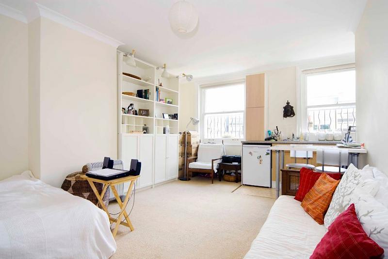 flat studio flat london