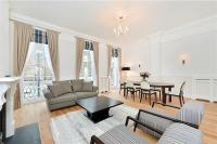 4 bed Flat to rent in Conway Street, London...