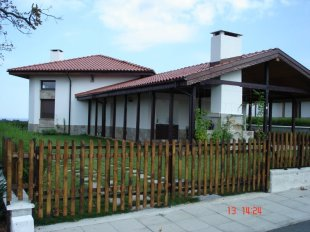 2 bed Villa in Burgas, Lozenets