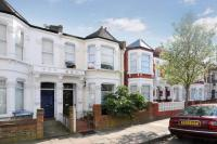 2 bed Flat for sale in Burrows Road...