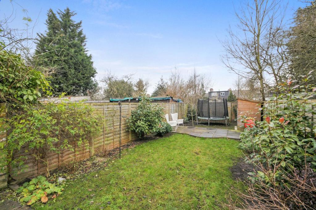 4 bedroom end of terrace house for sale in holland road for 4 holland terrace needham ma