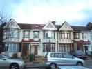 2 bed Ground Flat to rent in London, E4